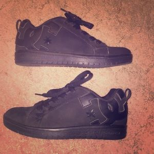 DC shoes size 6